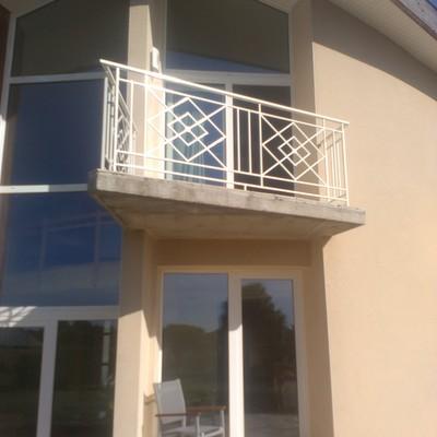 garde corps balcon motif en croix (cliquez  pour voir les autres)
